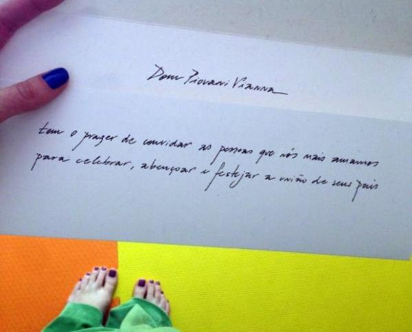 Com casamento marcado para julho, Luana Piovani mostra convite da festa