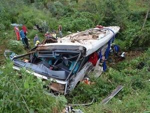 Acidente com ônibus de turismo mata 9 pessoas