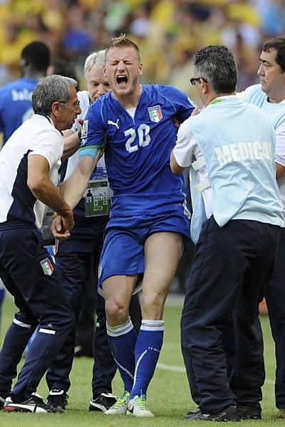 Jogador da Itália sofre trauma encefálico e é levado a hospital baiano