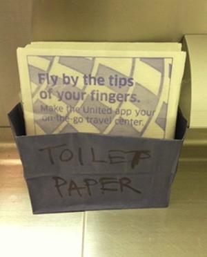 Avião fica sem papel higiênico e tripulação apela para guardanapos