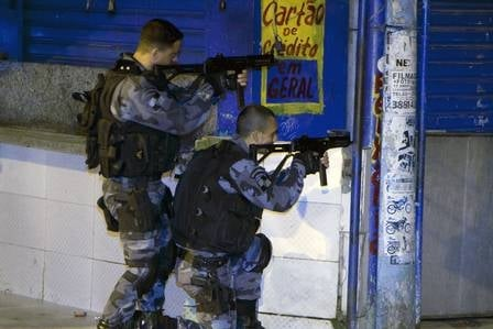 Em pouco mais de 12h, confronto entre Bope e bandidos deixa 8 mortos no Complexo da Maré