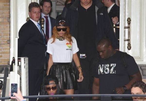 Rihanna promove novamente o uso da maconha