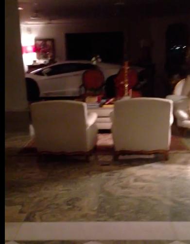 Modelo tira fotos só de toalha na casa do bilionário Eike Batista