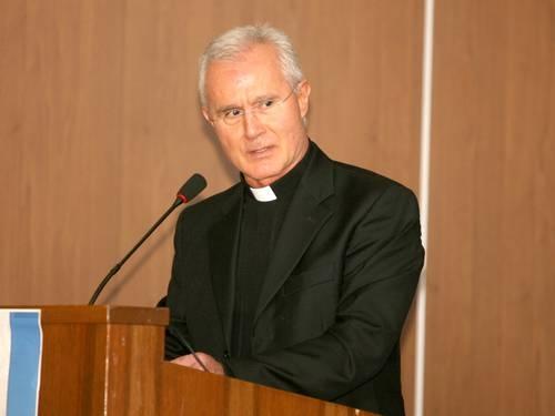 Presos monsenhor e mais dois em investigação no Banco do Vaticano