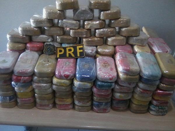Idoso é preso com mais de 200 kg de pasta de cocaína em rodovia no Mato Grosso