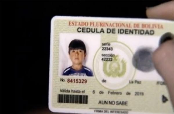 Menino boliviano deu suas economias a assaltante, diz advogada