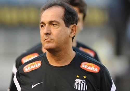 Demitido por telefone, técnico Muricy Ramalho se revolta com Santos