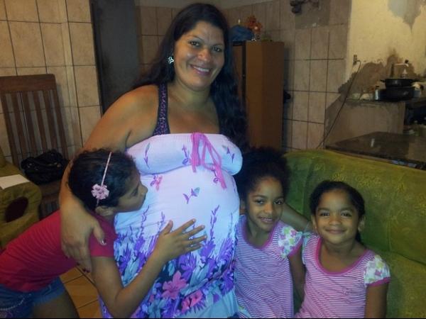 Esperando meninos, mãe de gêmeos pela terceira vez ganha menina
