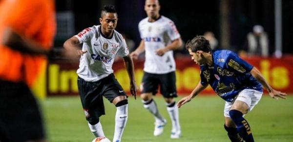 Corinthians descarta substituir Jorge Henrique e inicia conversas para renovar com Sheik