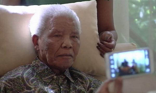 Nelson Mandela está respirando sozinho, diz governo sul-africano