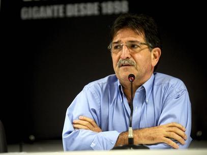 Vasco confirma saída de René Simões; Ricardo Gomes assume a função