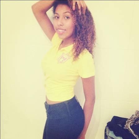 Irmã de Gracyanne Barbosa se exibe na web e sonha em ser atriz