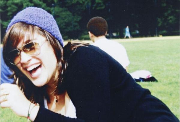 Garrafa com mensagem de menina que já morreu é encontrada nos EUA