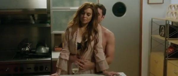 Lindsay Lohan aparece só de sutiã em trailer de novo filme; assista ao vídeo