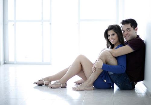 Andressa e Nasser mostram seu novo apartamento para o EGO