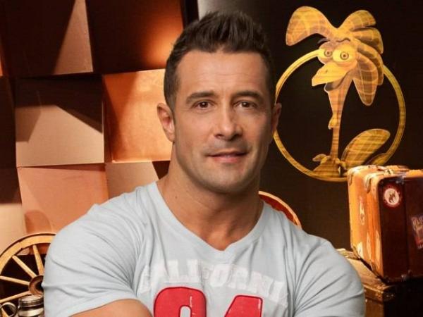 Marcos Oliver sugere fazer casal gay com Paulo Nunes em