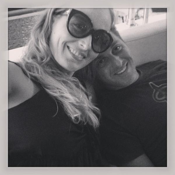 Angélica posta foto em clima de romance com Luciano Huck
