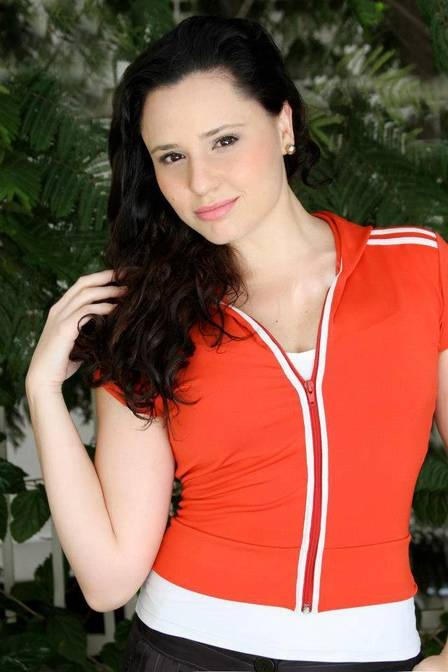 Ex-Chiquitita, Francis Helena é hoje casada, publicitária, professora de dança e atriz