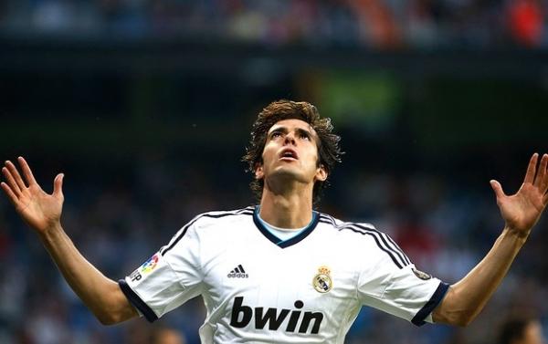 Kaká ouve do próprio técnico que ganhará nova chance no Real Madrid