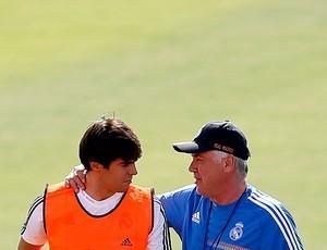 Após primeiro contato com elenco do Real, Ancelotti reforça apoio a Kaká