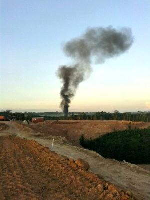 Avião de pequeno porte explode no aeroporto de Manaus e mata dois
