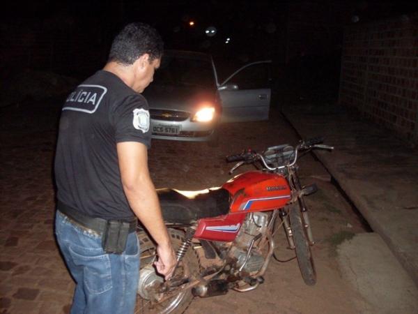 Operação culmina com a prisão de idoso e apreensão de varias motos roubadas