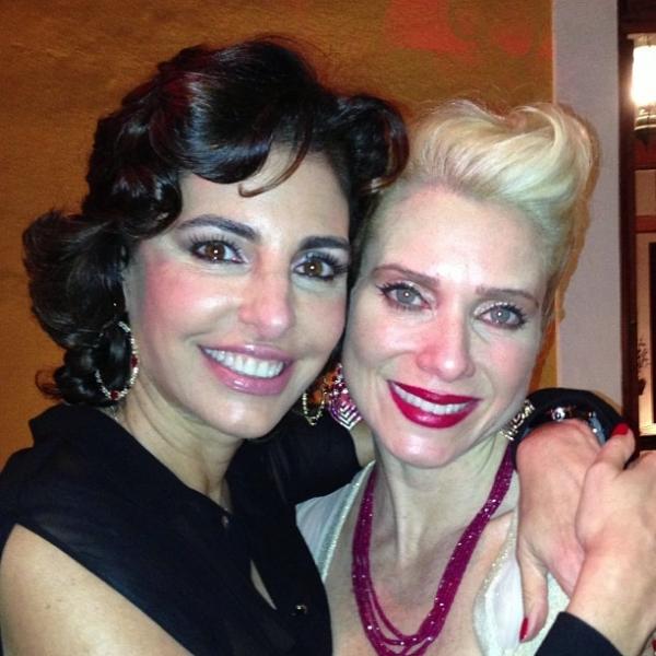 Letícia Spiller comemora 40 anos com festão rodeada de amigos famosos