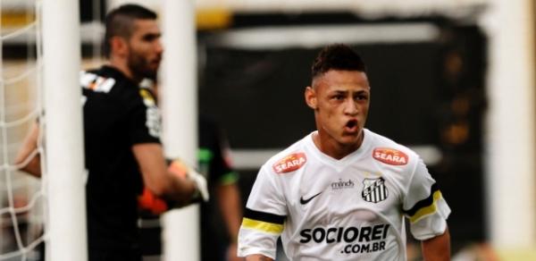 Alex faz dois, Coritiba empata com o Santos no fim e segue invicto no Brasileirão