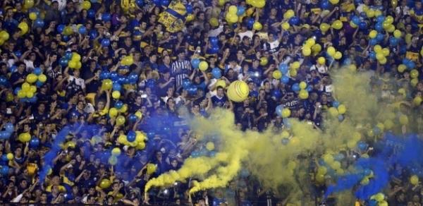 Confronto entre facções do Boca termina em morte e cancela partida na Argentina
