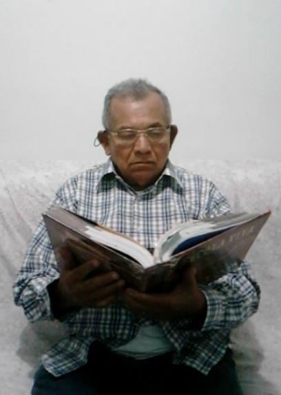 Homem de 81 anos esperou a vida inteira para estudar