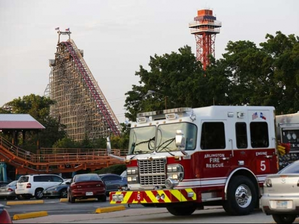 Polícia do Texas confirma que mulher morreu após cair de montanha russa