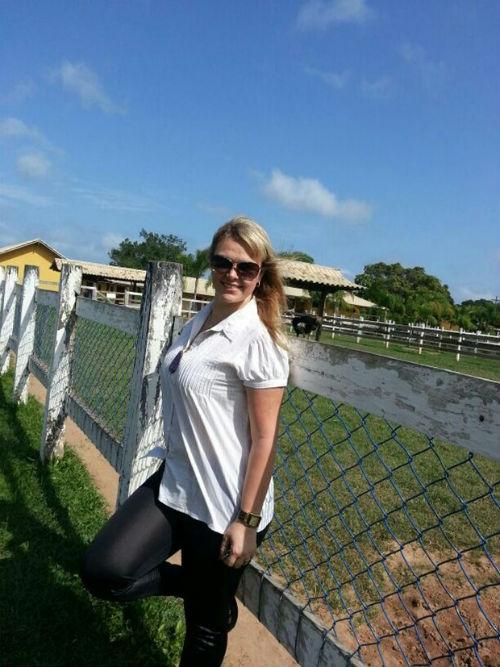 Ex-paquita Pituxita vai para spa para tentar emagrecer perdendo 6kg