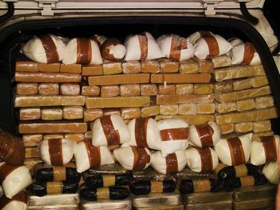 Polícia apreende 250 kg de maconha em casa