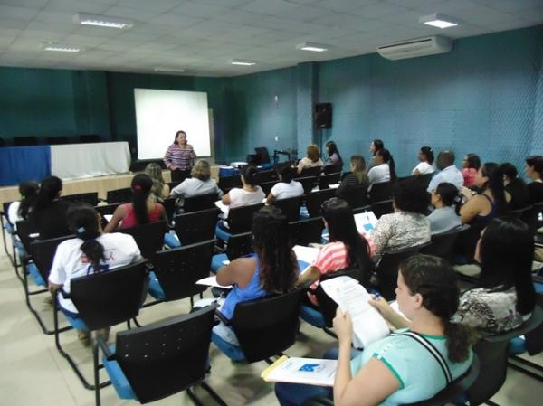 Profissionais discutiram em mini curso sobre a Rede Cegonha