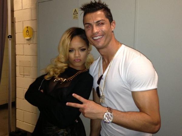 Após foto, Rihanna insinua que Cristiano Ronaldo é um amigo gay
