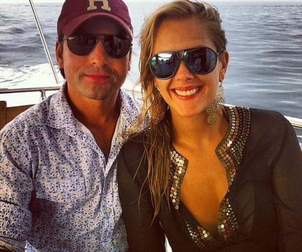 Gianne Albertoni engata namoro com ex-marido de Mara Maravilha