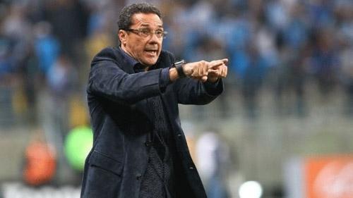 Vanderlei Luxemburgo  é contratado pelo Fluminense após saída de Abel