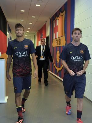Neymar admite estranheza em enfrentar ex-time Santos e elogia Messi