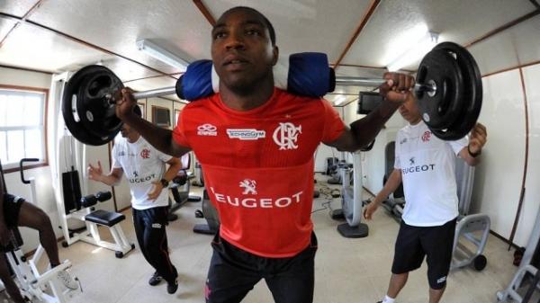 Renato ignora notificação do Flamengo, resiste a acordo e pode ir à Justiça