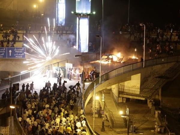 Egito: sobe para 30 o nº de mortos em confrontos após golpe