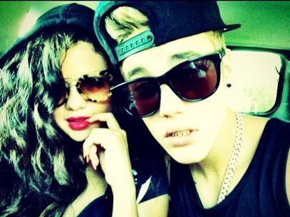 Justin Bieber posta foto com Selena Gomez: