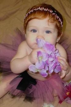 Site vende perucas para bebês meninas não serem confundidas com meninos