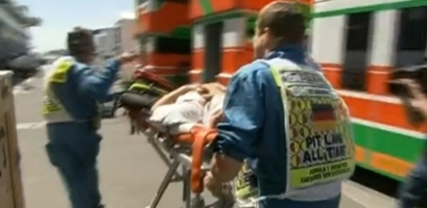 Cinegrafista é atingido por roda solta e machuca rosto no GP da Alemanha