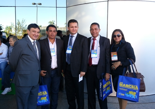 Autoridades presentes na XVI Marcha dos Prefeitos a Brasília