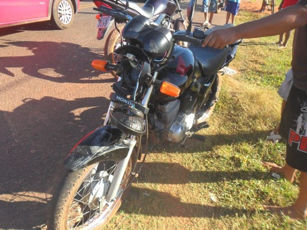 Motorista do SAMU de JFreitas sofre fratura no braço durante colisão entre carro e moto