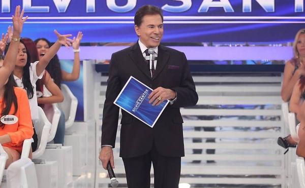 Silvio Santos desmarca gravações para fazer cirurgia plástica