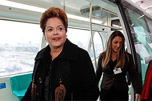 Primeiro aeromóvel é inaugurado com presença da presidente Dilma no RS