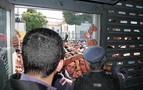 Termina em tumulto a venda de ingressos para Nacional x Vasco