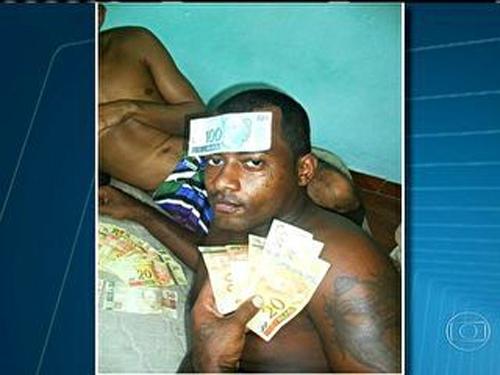 Após publicar foto, um suspeito foi preso por gerenciar tráfico no RJ