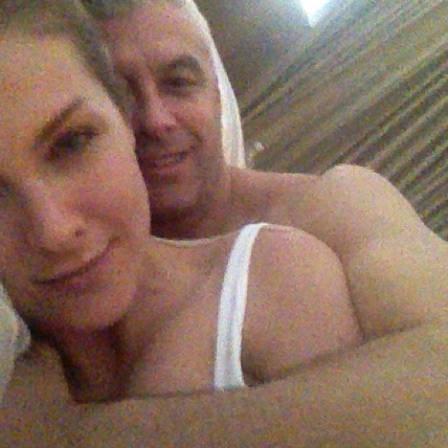 Grávida, Ana Hickmann posta fotos românticas ao lado do marido